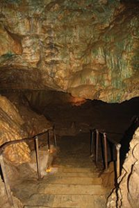 steps-into-eagle-cave