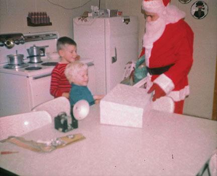steve-freese-sister-and-santa